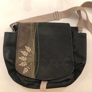 Haiku messenger bag. Crossbody